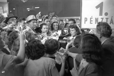 Standfotó az Állami áruház című filmből - Film still of Állami áruház feature film