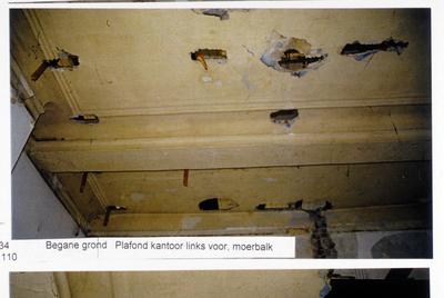 Pand Biest 110 interieur, begane grond, plafond kantoor links voor, moerbalk