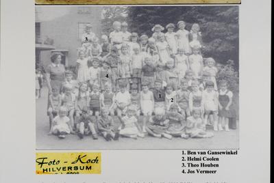 Montessori-kleuterschool, schooljaar 1954-1955, de leerlingen, 1= Ben van Gansewinkel, 2= Helmi Coolen, 3= Theo Houben, 4= Jos Vermeer