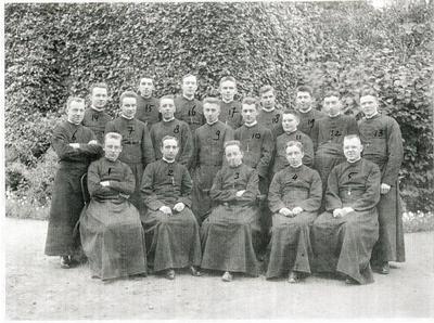 Klas van Piet Vullinghs; Groot Seminarie Roermond; nummer 13 is P. Vullinghs