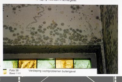 Pand Biest 110 interieur, verdieping vochtproblemen buitengevel