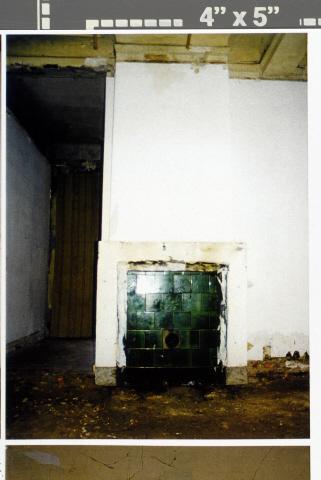 Pand Biest 110 interieur, begane grond, schouw in linker kantoor voor, tevens restant gesloopt gedeelte binnenmuur