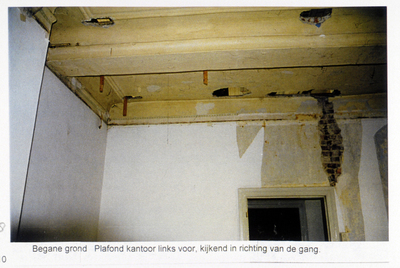 Pand Biest 110 interieur, begane grond, plafond kantoor links voor, kijkend in richting van de gang