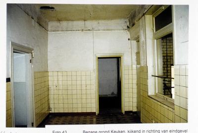 Pand Biest 110 interieur, begane grond, keuken kijkend in richting van eindgevel