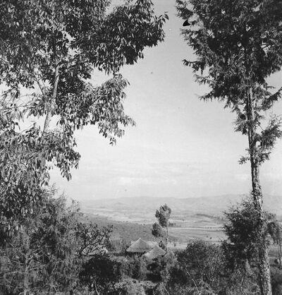 Debra Tabor: veduta dalla chiesa di Medani Alem