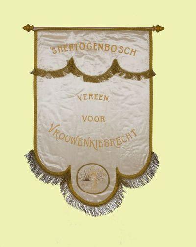 Vaandel. 'S hertogenbosch', 'Vereen. voor Vrouwenkiesrecht'  en Jus suffragii logo.