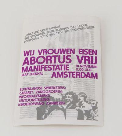 Sticker. 'Wij vrouwen eisen abortus vrij'