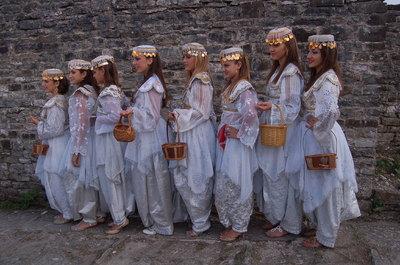 Grup vajzash nga qyteti