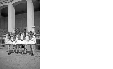 Τσολιάδες. Αθήνα, γύρω στα 1935 Έλλη Παπαδημητρίου (ΦΑ_19_600)