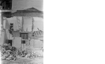 Κατεδάφιση. Αθήνα, γύρω στα 1935 Έλλη Παπαδημητρίου (ΦΑ_19_612)