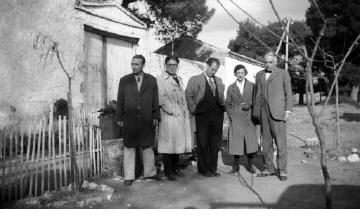 Ομαδική φωτογραφία. Γύρω στα 1935 Έλλη Παπαδημητρίου (ΦΑ_19_622)