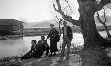 Ομαδική φωτογραφία. Γύρω στα 1935 Έλλη Παπαδημητρίου (ΦΑ_19_623)