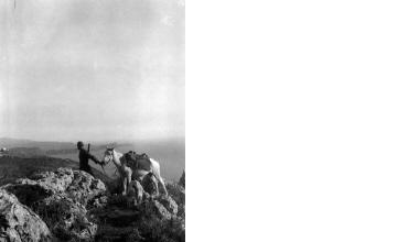 Άνδρας με άλογο. Γύρω στα 1935 Έλλη Παπαδημητρίου (ΦΑ_19_632)