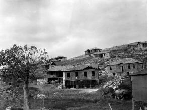 Κτίρια και χωράφια. Ξάνθη, γύρω στα 1935 Έλλη Παπαδημητρίου (ΦΑ_19_732)