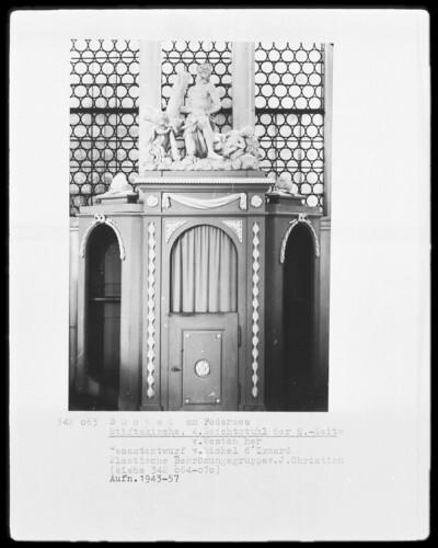 4. Beichtstuhl der Südseite von Westen, Bad Buchau, Ehemalige Damenstiftskirche, Südseite