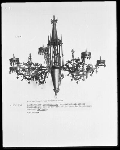 Achtarmiger Kronleuchter, sog. Marienleuchter , Nachbildung des Leuchters im Rathaus in Regensburg