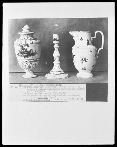 a) Potpourrivase mit mythologischen Szenen, b) Leuchter, c) Kaffeekanne, Ausguss: Satyrmaske