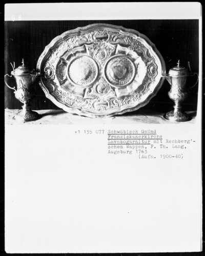 Lavabogarnitur mit Rechbergschem Wappen