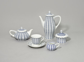 Teile aus dem Kaffee- und Teeservice Viktoria