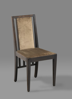Stuhl aus einem Speisezimmer