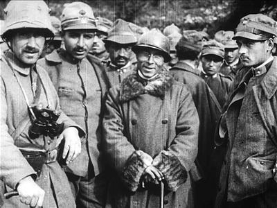 L'AVANZATA DELLE FORZE ARMATE IMPERIALI [Archive title]