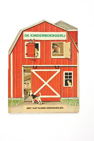 Kinderboerderij met vijf kleine kiekeboekjes