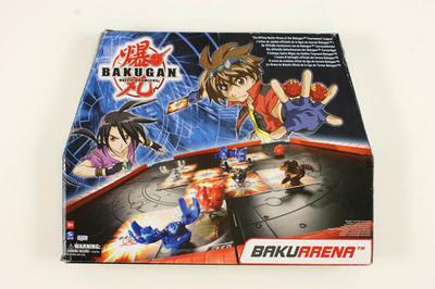 Bakuarena met 10 Bakugan bollen en 21 kaarten