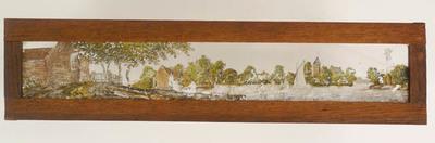 10 Toverlantaarnplaten behorende bij toverlantaarn S2013-0006.Handgeschilderde platen met allerlei onderwerpen zoals zon en maan, feestbanket en landschap.