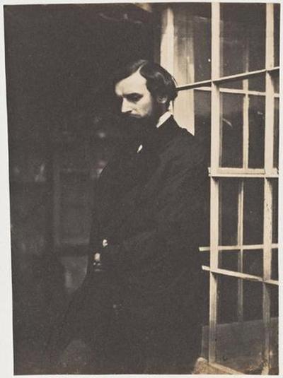 tirage photographique ; François-Victor Hugo à la porte-fenêtre de la serre de Marine Terrace