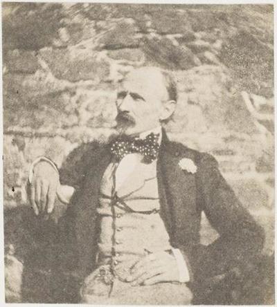 tirage photographique ; Le général Le Flô devant un mur, le regard vers la droite