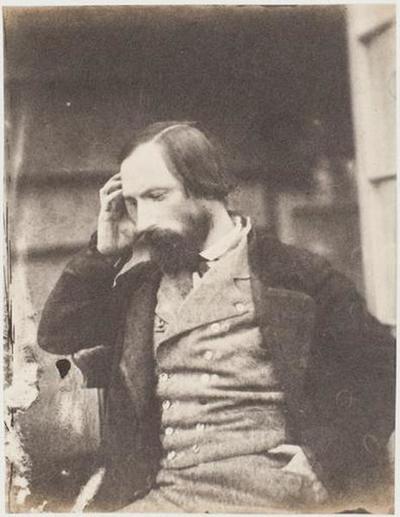 tirage photographique ; Autoportrait, profil gauche, la main droite à la tempe