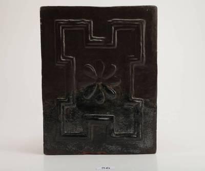 Plokštinis juodai glazūruotas koklis