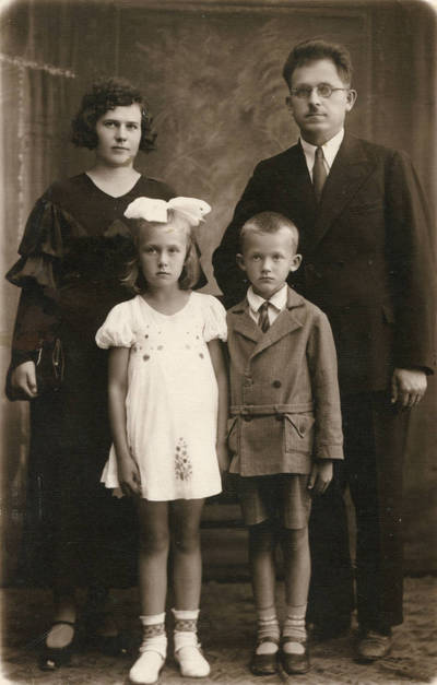 Anupro Karaliaus šeima. 1938
