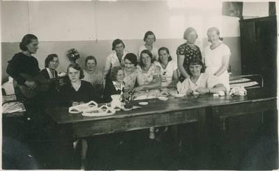 Mokytojų tobulinimosi kursai. Laisvalaikis kambaryje. 1940