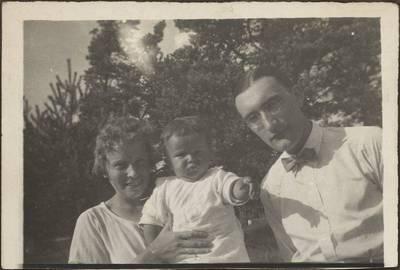 Diplomatas Stasys Lozoraitis su žmona Vincenta ir sūneliu Stasiu. 1950