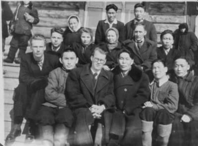 Nežinomas autorius. Tremtinių klasė Kazače mokykloje. 1925