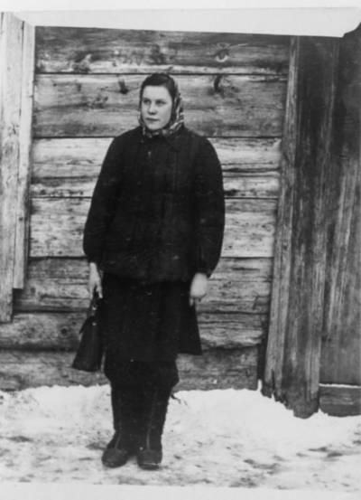 Nežinomas autorius. Rita Ivanauskaitė-Rutkauskienė tremtyje Tomsko srityje. 1954
