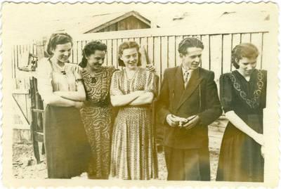 Nežinomas autorius. Būrelis lietuvių tremtinių Jakutske. 1953