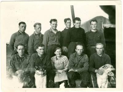 Nežinomas autorius. Lietuvių tremtinių žvejų brigada Tit Aruose. 1954