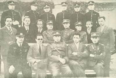Nežinomas autorius. Nepriklausomybės kovų invalidų būrelis su Karo muziejaus ir Invalidų komiteto vadovybėmis. 1926