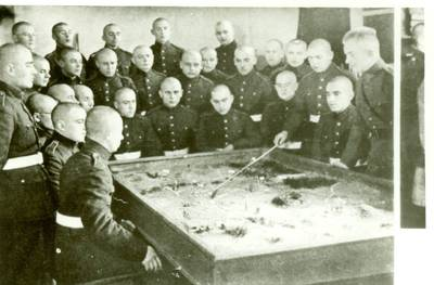 Nežinomas autorius. Karo mokyklos kursantų mokymai. 1926