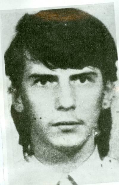 Nežinomas autorius. 1991 m. sausio 13 d. žuvęs Darius Gerbutavičius. 2000