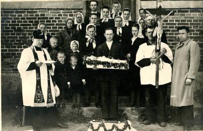 Juozas Karazija. Fotografija 21216. 1947