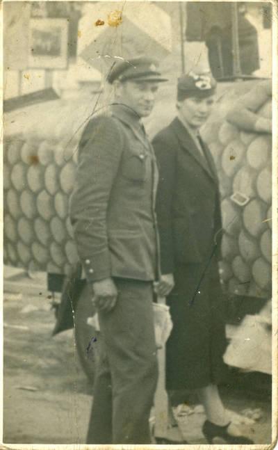 Nežinomas fotografas. Bolys ir Vladislava Sabaičiai Žemės ūkio ir pramonės parodoje Kaune. 1936
