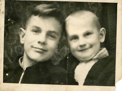 Nežinomas fotografas. Dviejų vaikų portretas. 1955