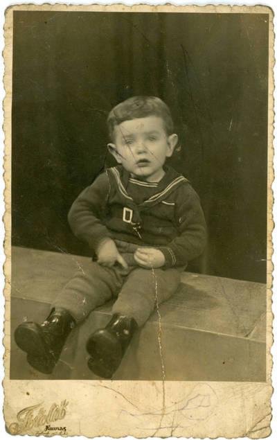 Nežinomas fotografas. Vaiko portretas. 1940-03-25