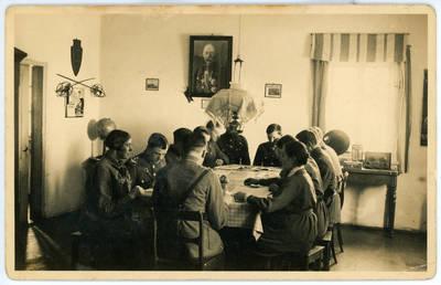 Nežinomas fotografas. Graužikų šaulių grandis savo klube 1930 metais. 1930-02-19