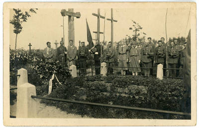 Nežinomas fotografas. Kelmės būrio šauliai prie Vl. Putvinskio kapo 1929 metais. 1929-08-15