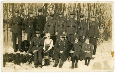 Nežinomas fotografas. Vytautas Putvinskis su šauliais. 1930-03-19