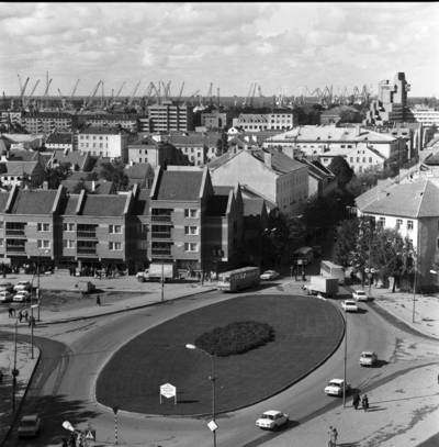 Klaipėda. Turgaus žiedas ir senamiesčio panorama / Bernardas Aleknavičius